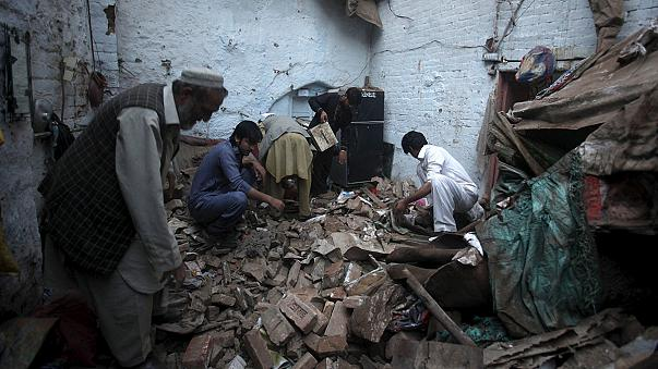 Death toll 'surpasses 200' in south Asia earthquake