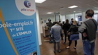 Франция: первые признаки сокращения безработицы за 8 лет