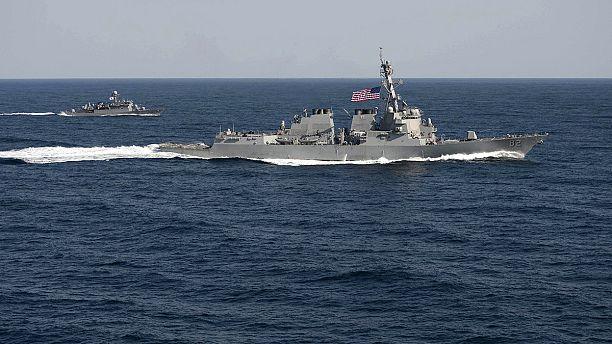 Navio de guerra norte-americano entra em águas reclamadas pela China
