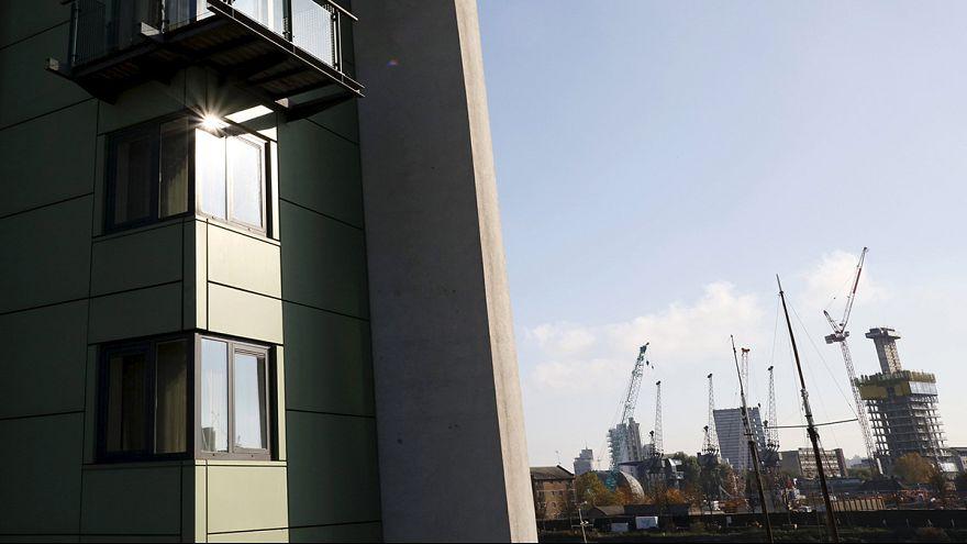 Gran Bretagna, la crescita rallenta: +0,5% nel 2° trimestre
