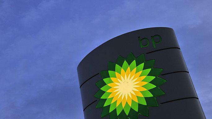 Face à la chute du brut, BP réduit encore la voilure
