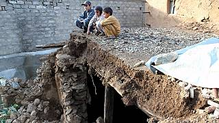 Ya son más de 350 los muertos en el terremoto que ha sacudido Afganistán y Pakistán