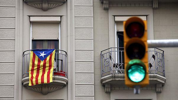 """Separatistas lançam """"roteiro para a Independência"""" no parlamento catalão"""