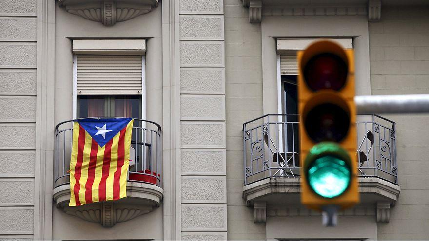 Katalanlar İspanya'dan bağımsızlık için bir adım daha attı