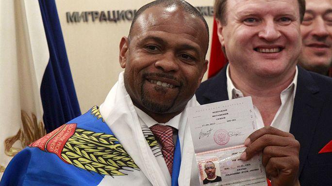 Рой Джонс получил российский паспорт