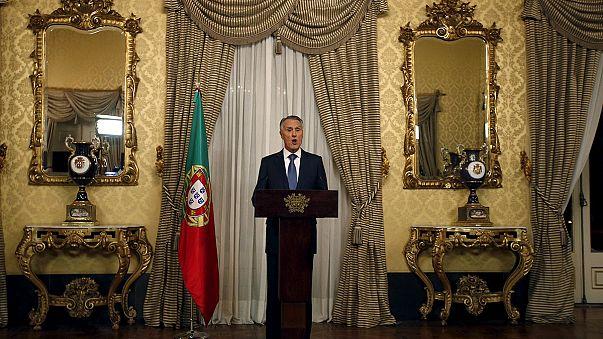 Portugal : la droite présente un gouvernement minoritaire et déjà en sursis