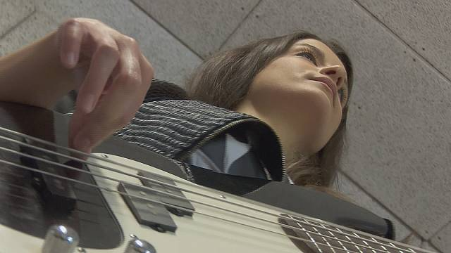 Bassist Éva Muck is the Queen of Strings