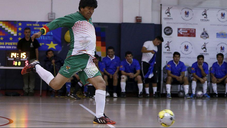 Futballal ünnepelte születésnapját Evo Morales