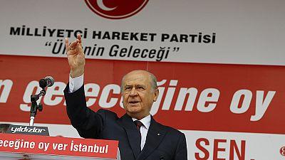 Turkey's nationalists spurn AKP before polls, eye options