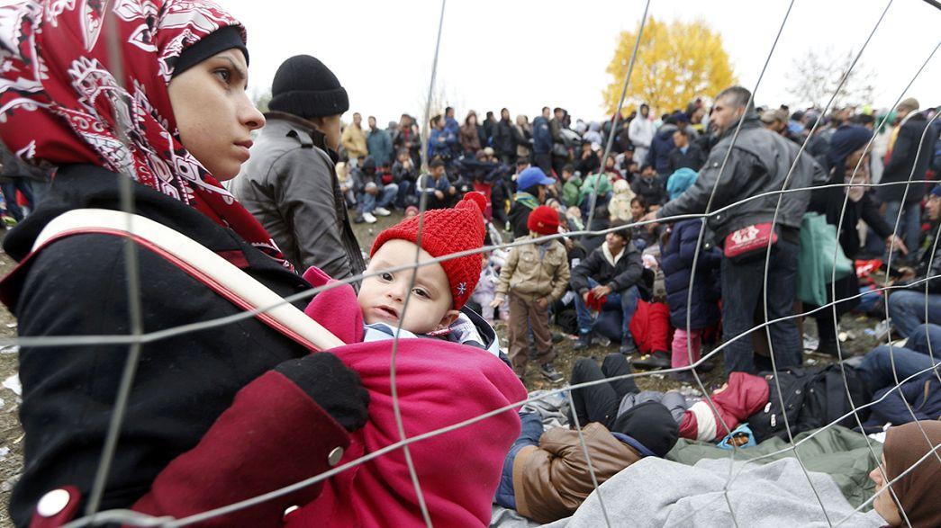 """Austria, crisi migranti: """"Barriera tecnica"""" al confine sloveno"""