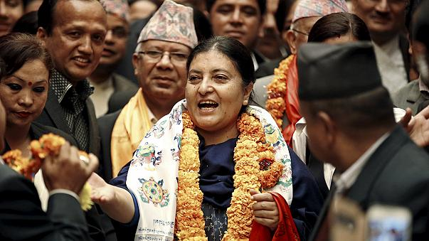 بيدهي بهانداري أول امرأة تتولى منصب الرئاسة في نيبال