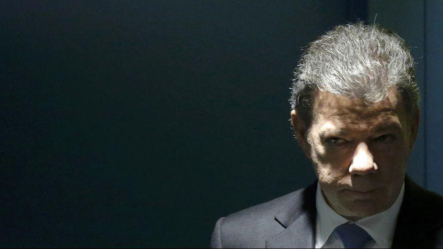 الرئيس الكولومبي يدعو الفارك لوقف اطلاق النار ثنائي الجانب