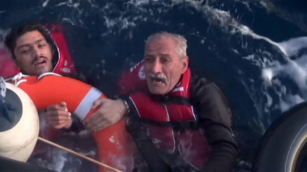 Al menos 15 muertos en otra tragedia en el mar Egeo y algún final feliz