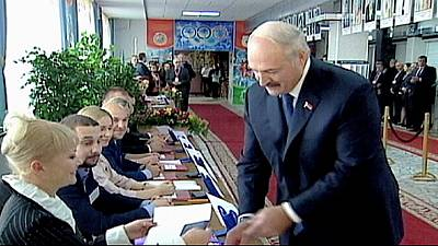 Ue-Bielorussia, sanzioni sospese per 4 mesi