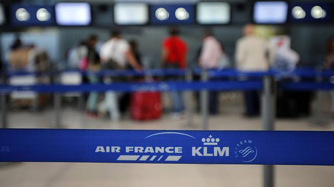 Air France-KLM defends cost cuts despite soaring profits