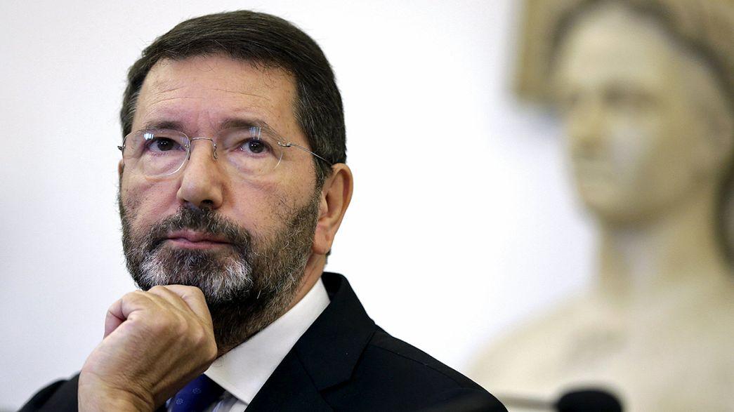 رئيس بلدية روما مارينو يتراجع عن استقالته
