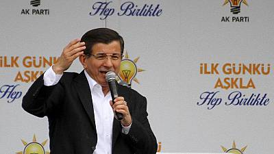 Turkey snap election: AK Party in front but overall majority uncertain