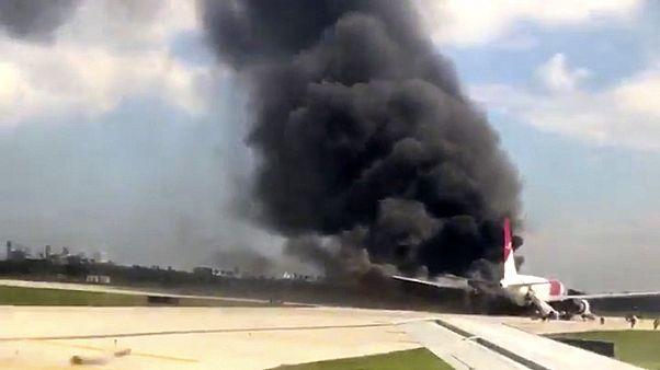 Kalkışa hazırlanan uçakta korkutan yangın