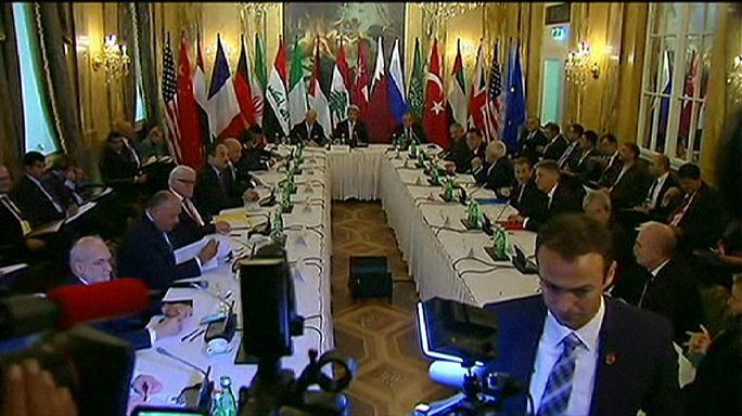 Szíriai béketárgyalások: 13 ország külügyminisztere érkezett Bécsbe