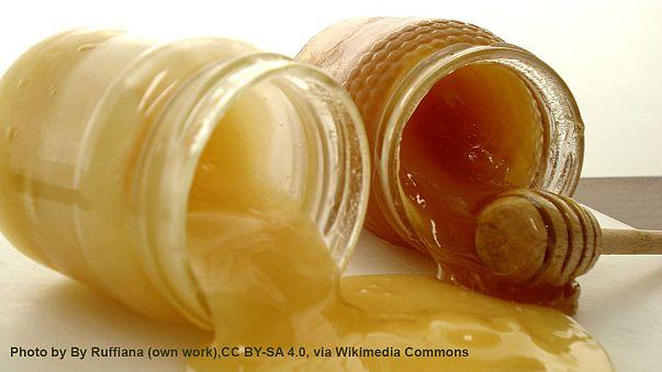 Apicultores en pie de guerra contra miel china