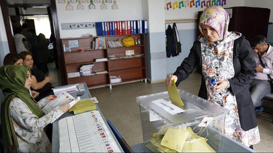 Turquía: tensa cuenta atrás para la cita con las urnas del domingo