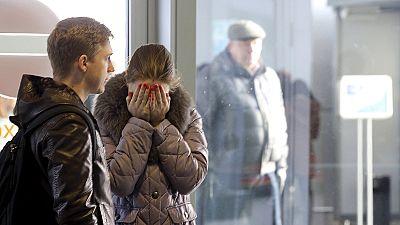 Rostros desencajados en el aeropuerto de San Petersburgo