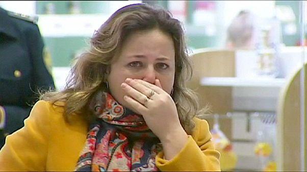 عائلات ضحايا الطائرة الروسية الهالكة  تبكي ذويها  والكرملين يعلن الحداد