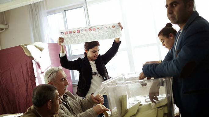 Des Turcs lassés de voter