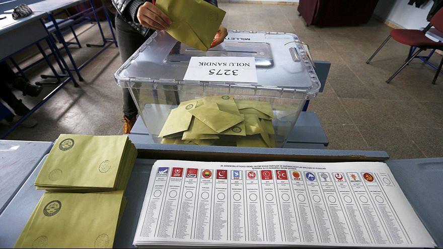 Législatives en Turquie : Erdogan vise la majorité absolue