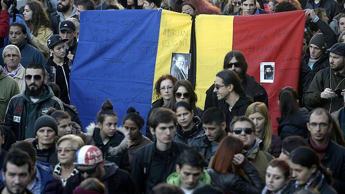 Бухарест: марш в память о погибших в ночном клубе