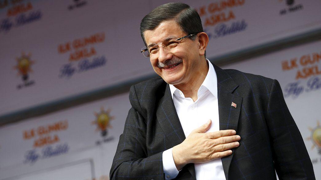 Erdrutschsieg der AKP: Kann Ahmet Davutoğlu aus dem Schatten Erdoğans treten?