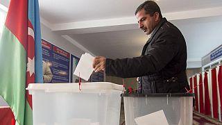Партия Алиева побеждает на выборах в Азербайджане