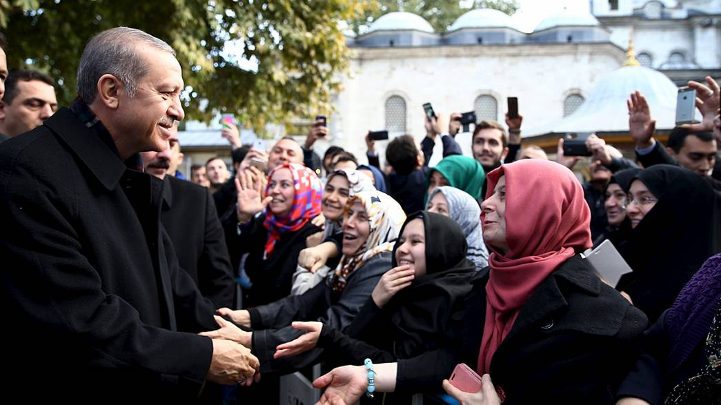 Erdogan calls on world to accept AKP election victory in Turkey
