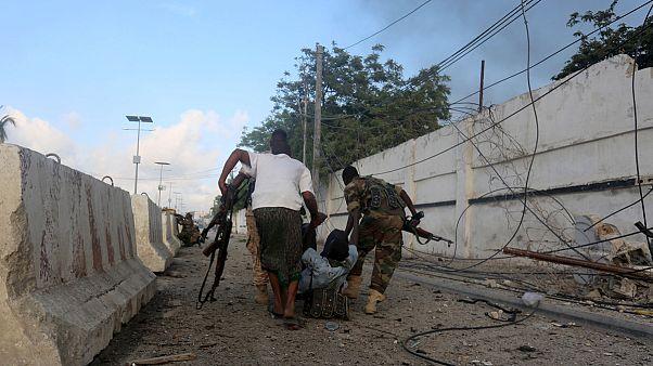 Al-Schabab-Miliz greift Hotel in Mogadischu an