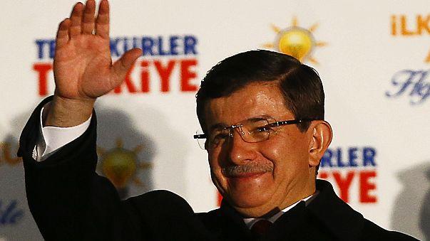 """Davutoğlu: """"Evlendirilecek bekar gençlik"""" sosyal medyayı ayağa kaldırdı"""