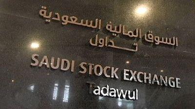 Arabia Saudí cuestiona la rebaja de S&P  pero no logra calmar a sus mercados