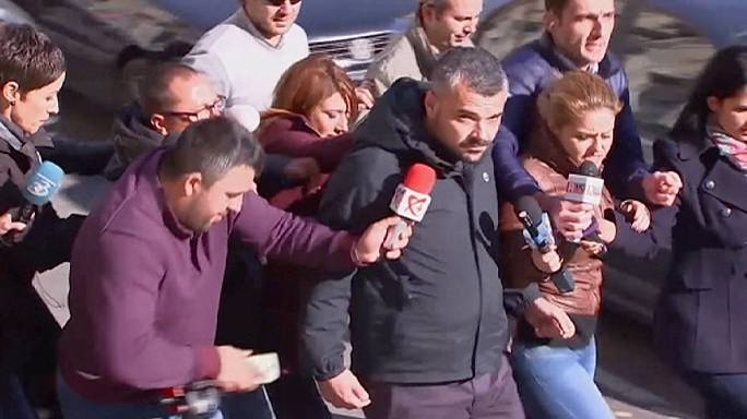 Romania: Nightclub owners quizzed in manslaughter probe after deadly fire