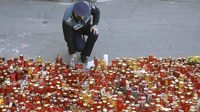 Romanya'da yangında hayatını kaybeden iki kişiye 'Onur nişanı' verildi
