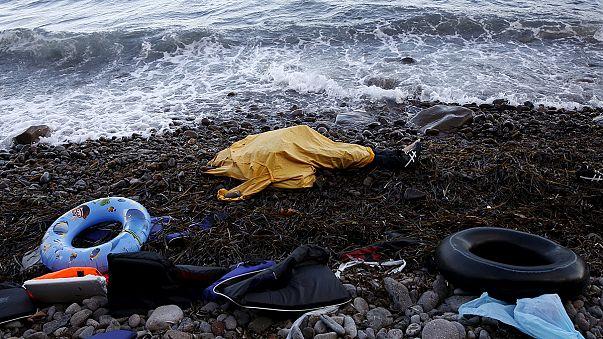 Frontex probiert auf Lesbos schnellere Registrierung von Flüchtlingen aus