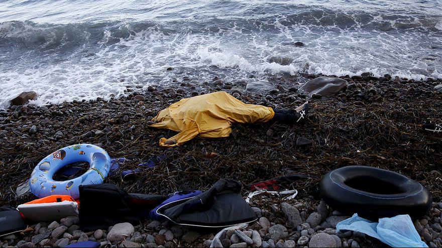 Grécia: Cruz Vermelha clama por mais ajuda para os refugiados