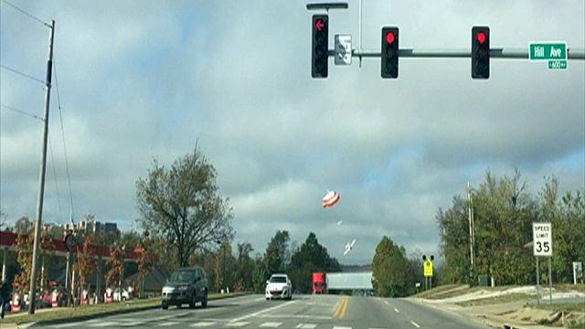 Plane crash-lands on highway in Arkansas