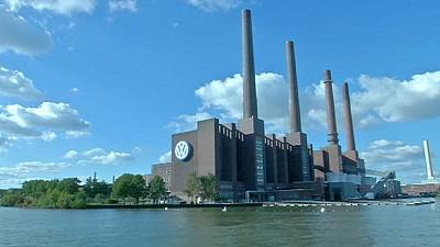 Volkswagen shares fall over 'false' CO2 and fuel readings