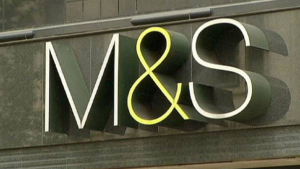 Poor clothes sales hit Marks & Spencer's profits