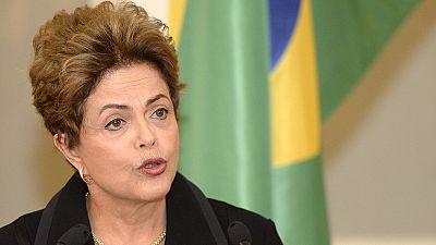 """Brasil: Economia vive """"momento crítico"""""""