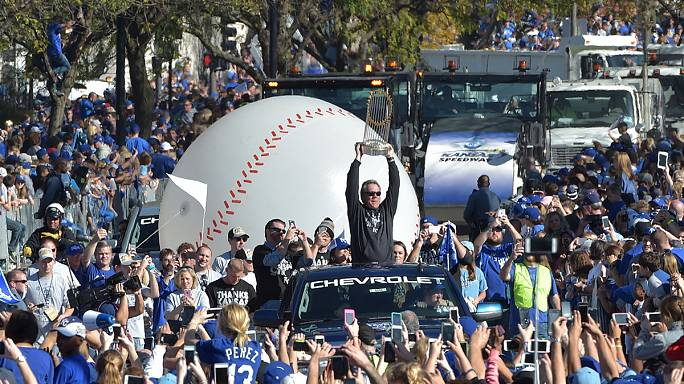 A 'royal' welcome home in Kansas City for Baseball's World Series champions