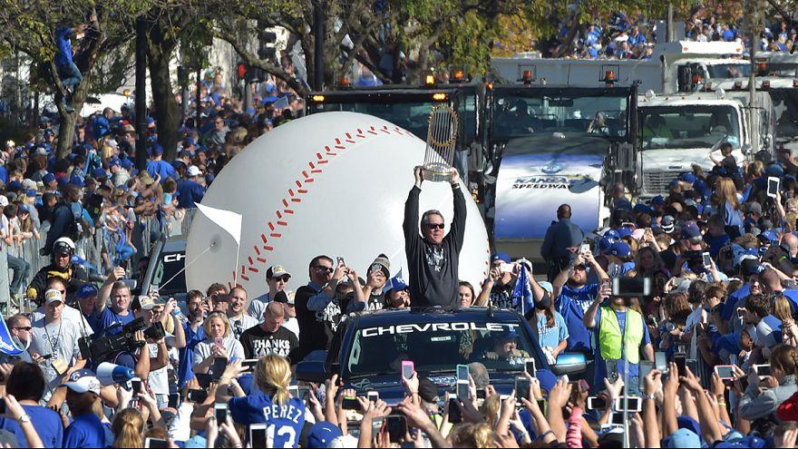 MLB: in 500.000 mandano in tilt Kansas City per festeggiare i Royals