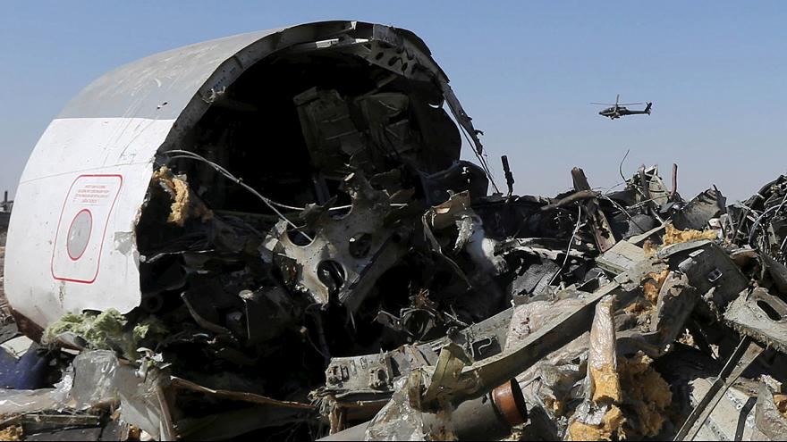 """El Gobierno británico no descarta que el avión siniestrado en Egipto fuera derribado """"por un artefacto explosivo"""""""