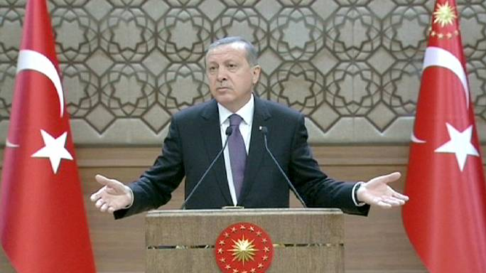 Erdogan seeks agreement for change in Turkish constitution