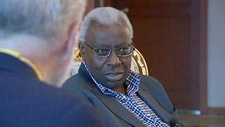 Lamine Diack investigado por corrupção