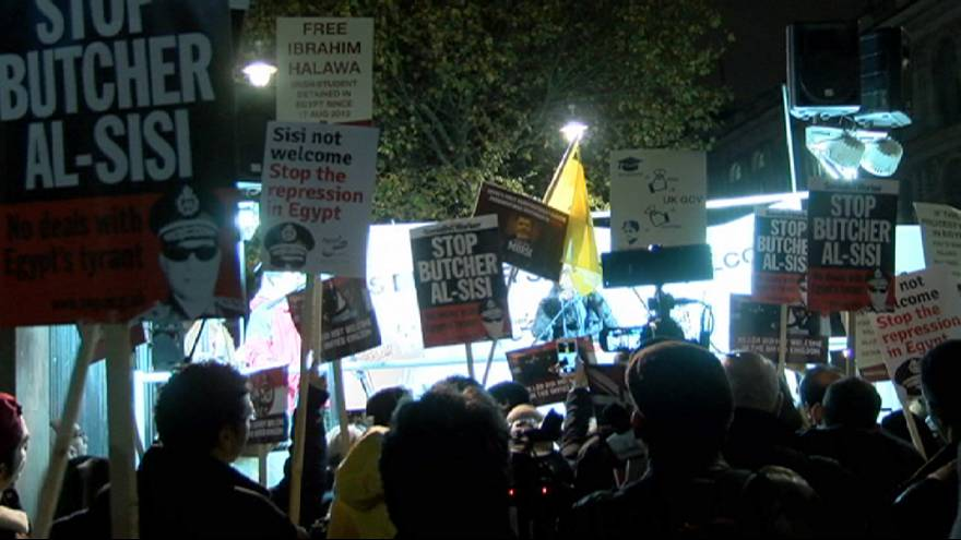اعتراض به سفر رئیس جمهوری مصر به انگلستان در لندن